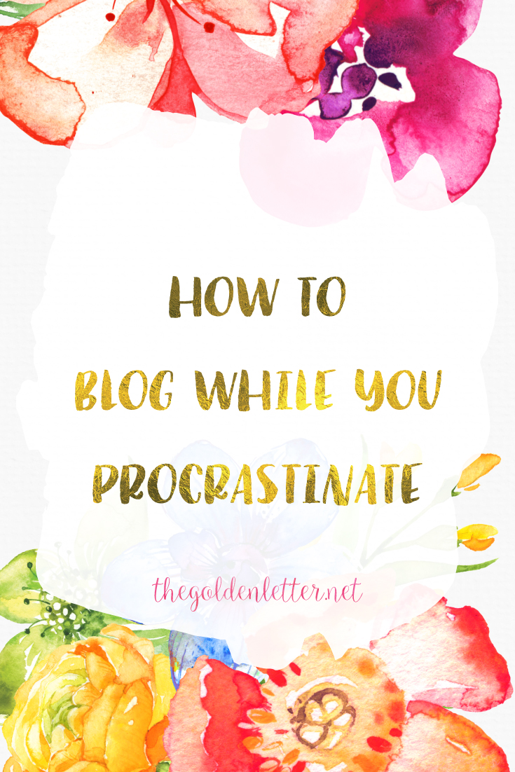 How to blog WHILE you procrastinate. Believe it or not, there are ways you can procrastinate productively. Want to know how? Read on.